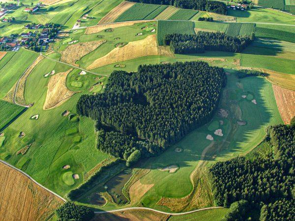 golfplatz obing im chiemgau luftaufnahme